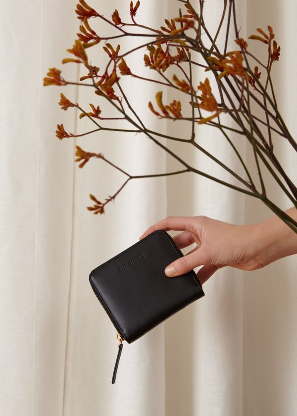 The Stowe Square Wallet - Black