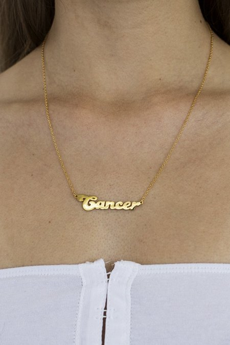THENINETYNINE Cancer Zodiac Nameplate Necklace – Gold Plated