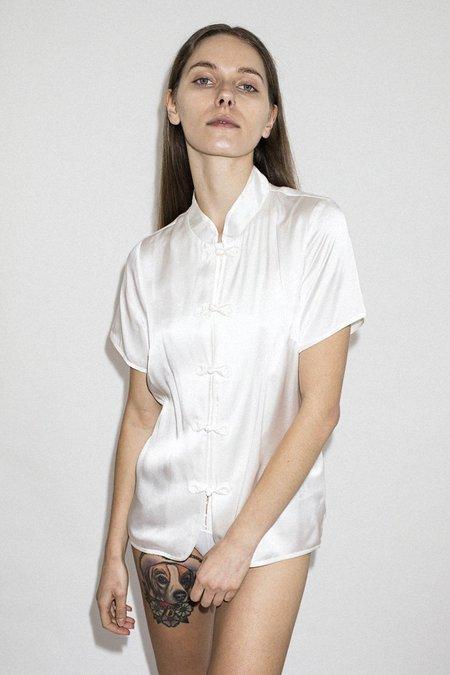L 39 ecole des femmes garmentory for L ecole des femmes oui non white t shirt