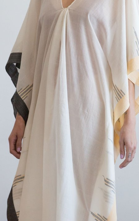 Two Temple Caftan With Peach Border - Natural White