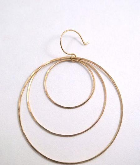 Hannah Naomi TRIPLE HOOP EARRINGS - GOLD
