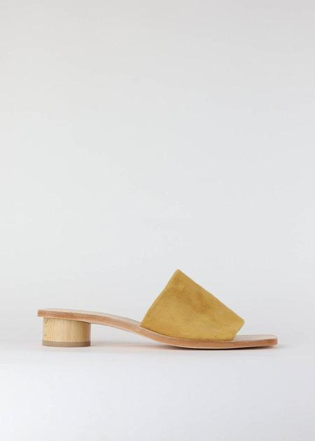 LOQ Nuria Sandal - Curry Suede
