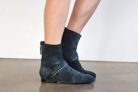 Carritz Bracelet Boot Saddle Stitch Suede - Slate Grey/Anthracite