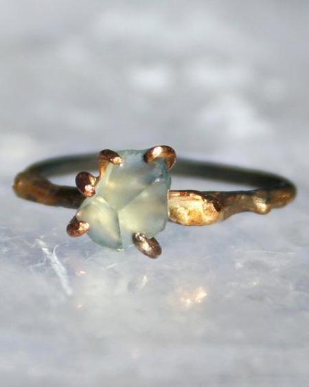 Variance Montana Sapphire Small Stone Ring