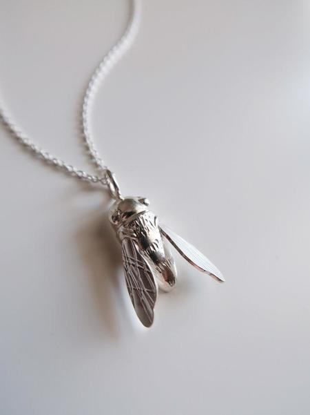 Invidiosa Jewelry Sculptural Bee Necklace - Silver