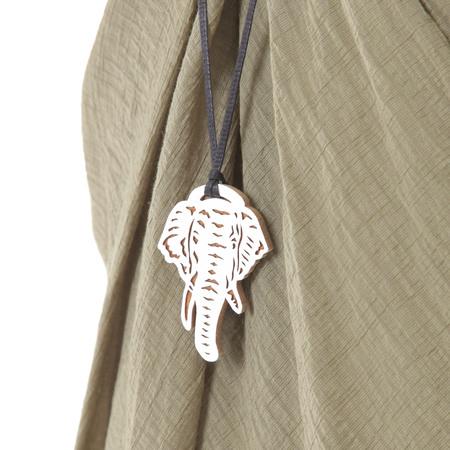 PLAINLESS WOODEN NECKLACE ELEPHANT - White