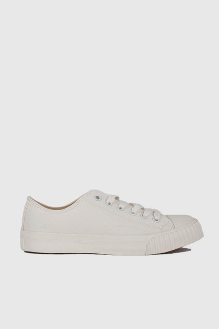 Unisex Bata Bullets Low Cut Sneakers - White/Cream