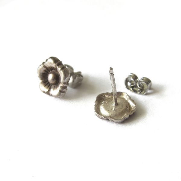 Vintage Collection Silver Flower Studs