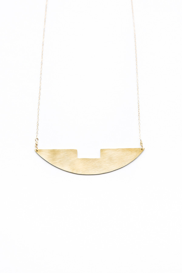 Notched Arch Necklace