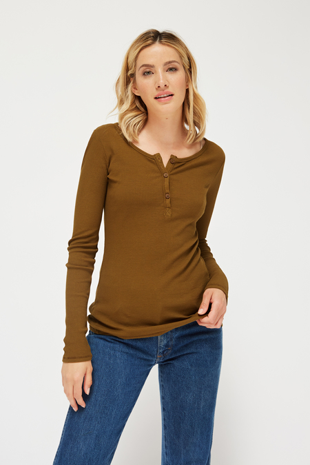 Lacausa Classic Henley in Scout