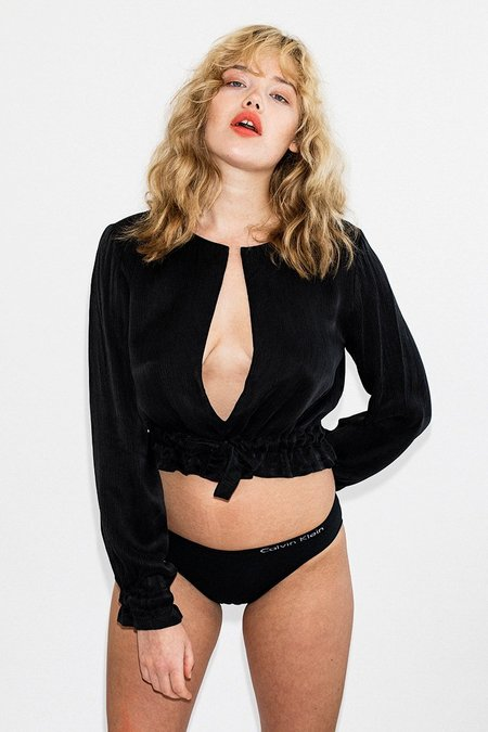 Third Form Intrigue Tied Blouse - Black