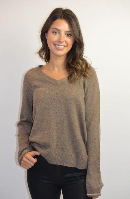 Raquel Allegra V Neck Pullover - Brown