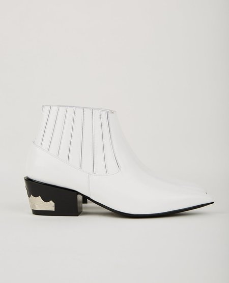 Toga Pulla PULL-ON SHORT BOOTIE - WHITE