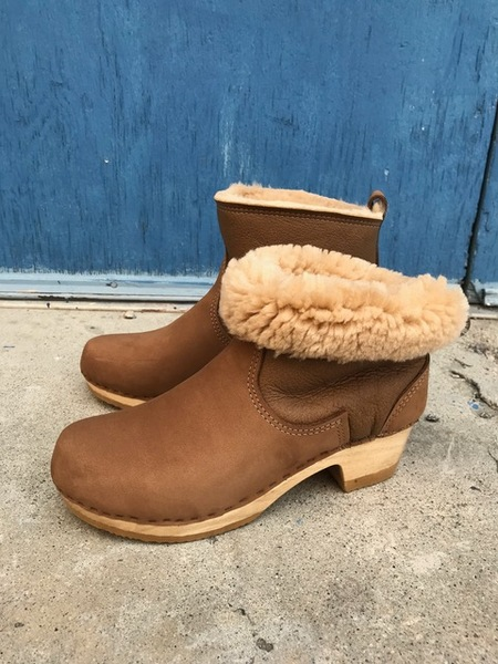 "No.6 5"" Pull On Shearling Boot On Mid Heel in Honey Aviator"