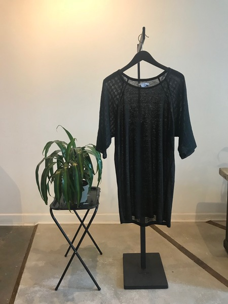 Dusty Part Out Top - black
