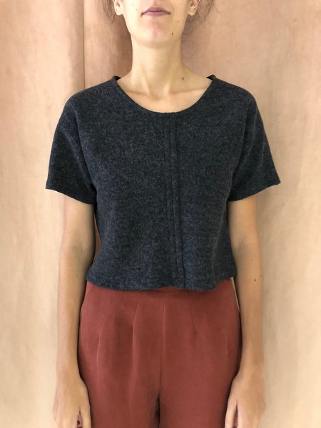 EVE GRAVEL IN THE SHADOW TOP - DARK GRAY