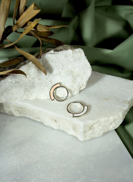 ORA-C Jewelry Mies Ring - Silver/Nude/White