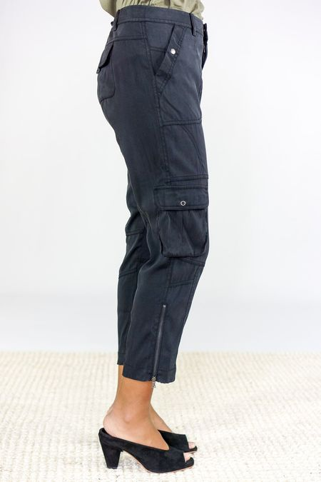 GOSILK Utility Cropped Pant - Washed Black