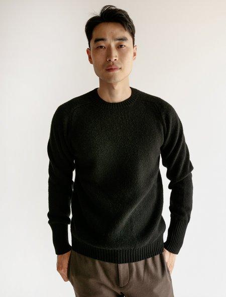 6126111e83 ... Cristaseya Classic Shetland Sweater with Maxi Cuffs - Black