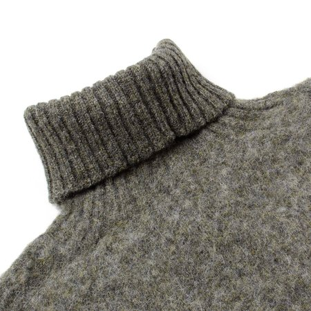 Howlin' Sylvester Wool Turtleneck - Essence