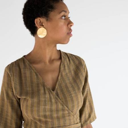 Annie Costello Brown Wabi Disc Earrings - Gold