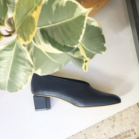 Gray Matters Mildred Classic nappa leather Pumps - Navy