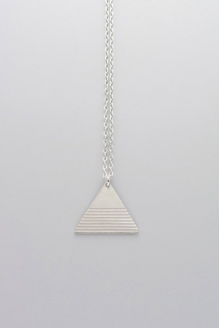 MOODLIKEME PYRAMID NECKLACE