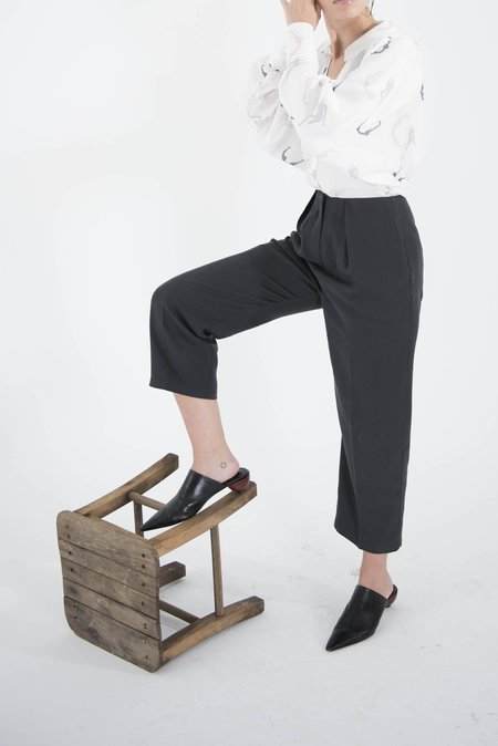 OhSevenDays Saturday Pleated Trousers - Charcoal