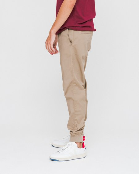 Carhartt WIP Jogger Madison Pant - Leather
