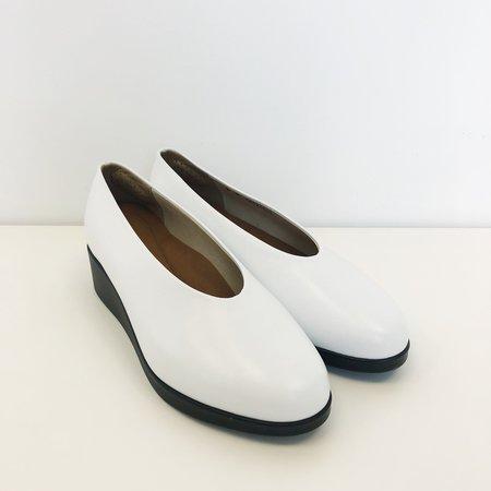 Hopp Slip-On Wedge - white