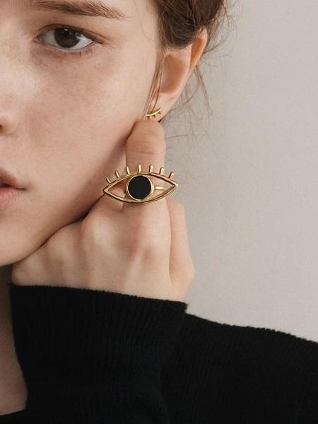 CONTEMPO.H Black Serpentine Big Eye Ring
