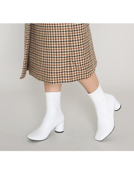 Avec Movement 17001B Boots - White