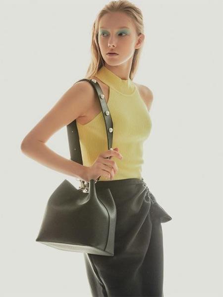 Find Kapoor Pingo Basic Pearl Edition Line Bag - Black