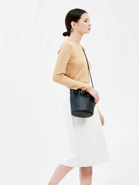 JOORTI J128 Mini Round Buckle Leather Bag - Black