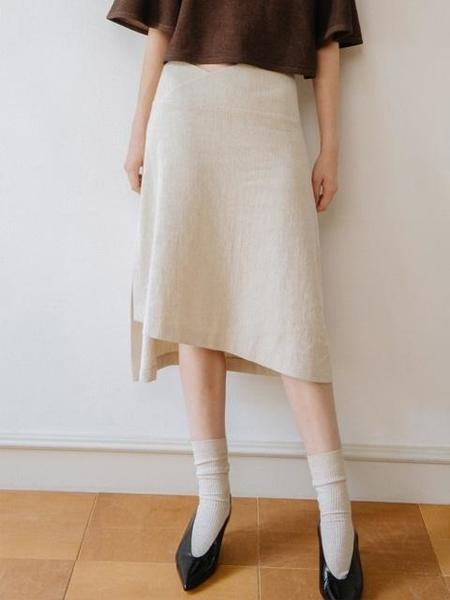 CHUNGPEPE Asymmetry Skirt - Ivory