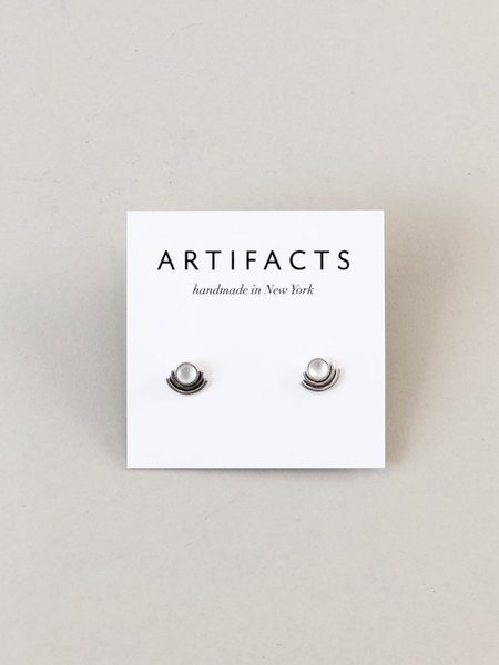 Artifacts Arc Stud Earrings - Sterling Silver/Pearl
