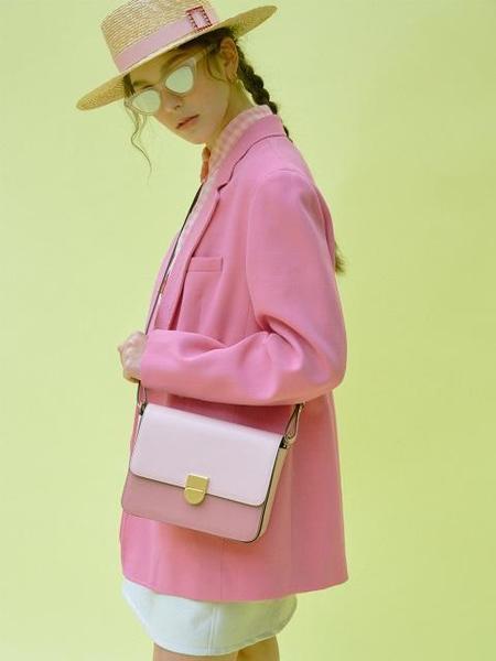 HIGH CHEEKS Classic Leather Box Bag - Soft Pink