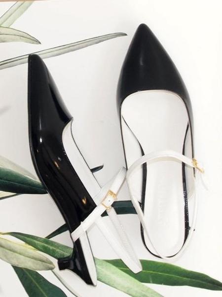 Attitude;L Zeze Slingback Heels - Black/White