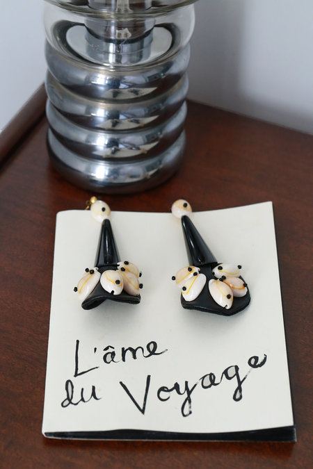 Parme Marin Seashell earrings - black