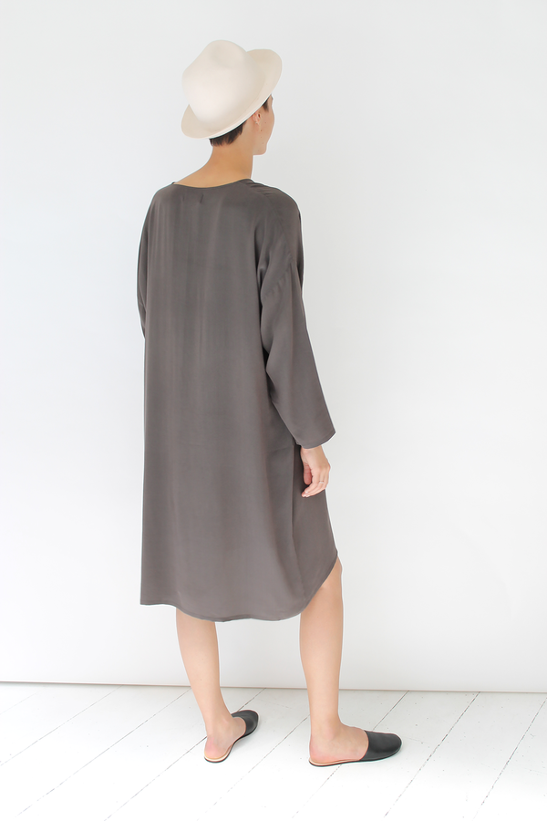 Revisited silk shirt dress | stone