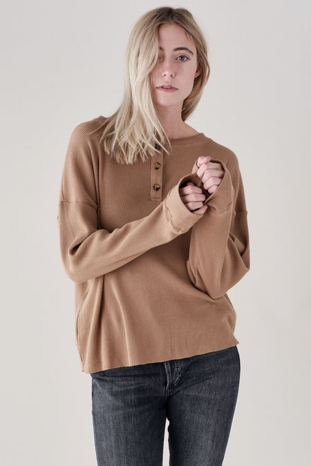 Donni. THERMAL HENLEY