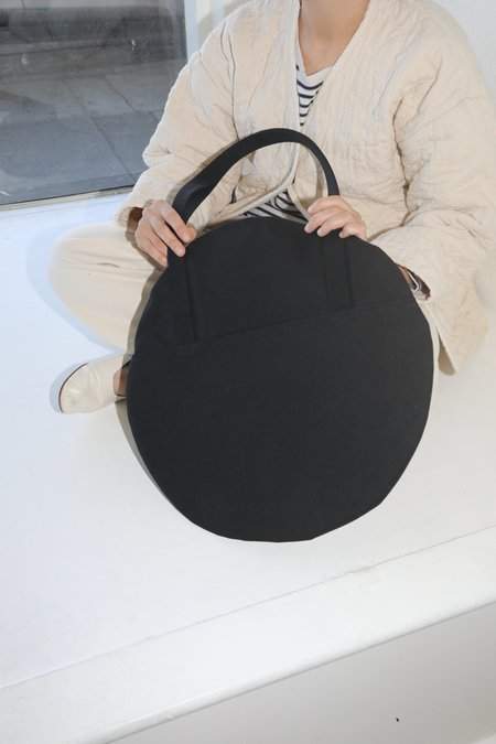 Lotfi Large Circle Tote - Oscuro