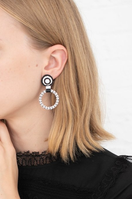 Robin Mollicone Small Beaded Hoop Earring - White Howlite/Black Dots