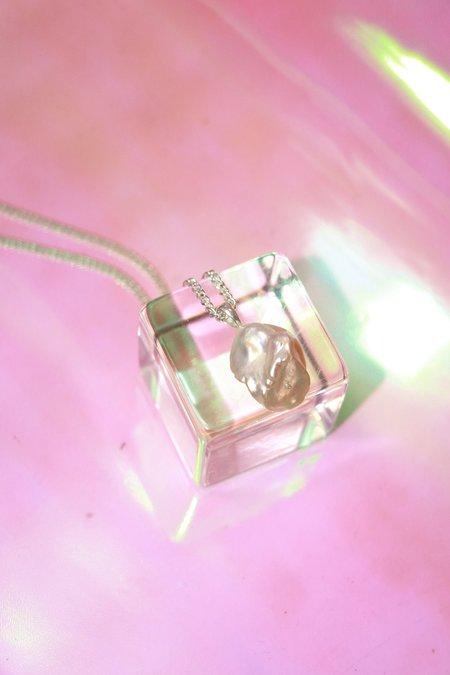 Yuun Marguerite Necklace - Clear