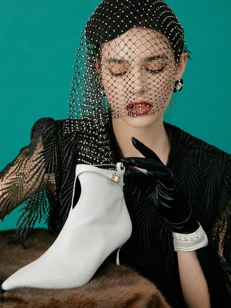 Salondeju Boots - White