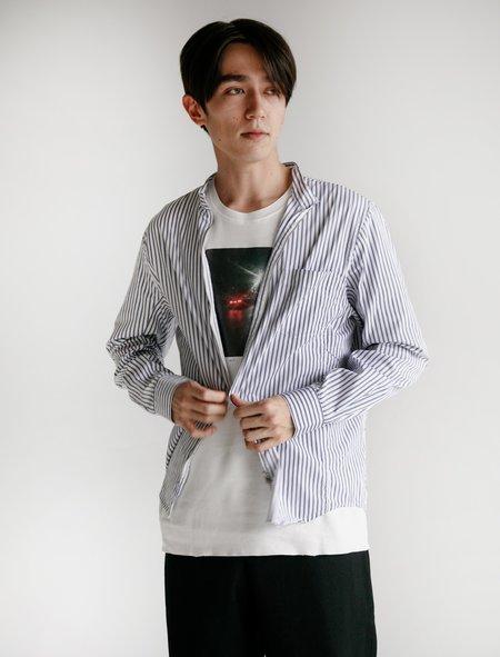 Tres Bien Running Shirt - Thin Stripe White/Blue