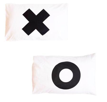 kids LITTLE POP STUDIOS Pillowcase Set - XO