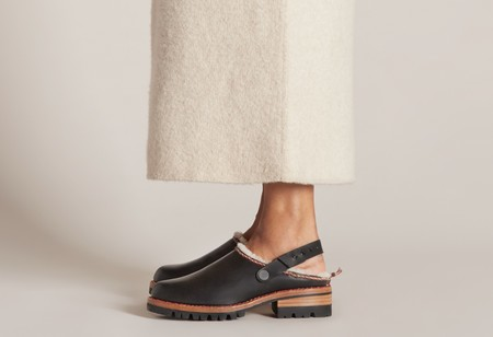 FEIT Whipstitch Shearling Clog - Black