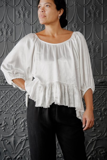 82bdc292d08e6 ... Raquel Allegra Satin Peasant Top - Ivory Pebble