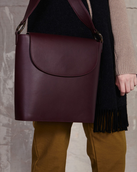 The Stowe Luca Nappa Tote Bag - Plum